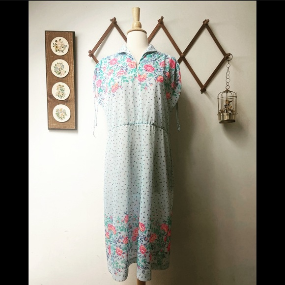 1970s Floral Day Dress